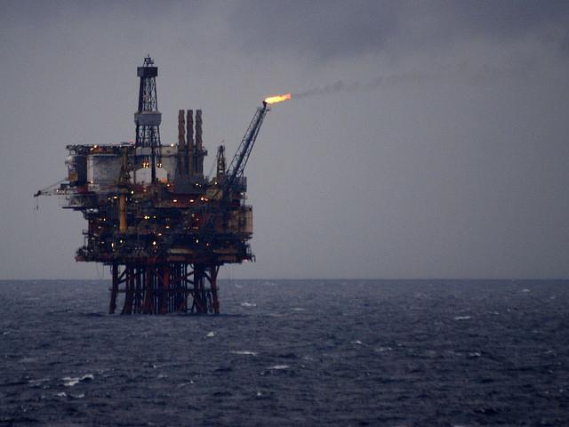 Plateforme pétrolière en mer Baltique, 2008. [Andrew/Flickr]