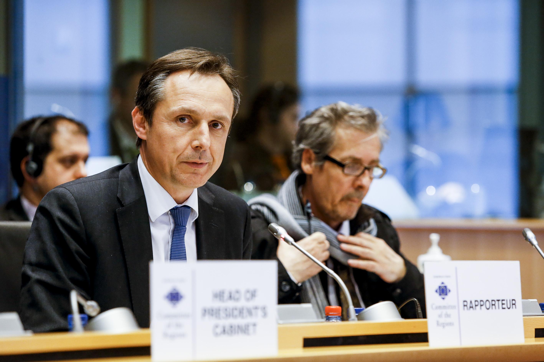"""Christophe Rouillon, rapporteur du Comité des régions sur """"Un Plan de communication 2015-2019:reconnecter l'Europe avec ses concitoyens""""."""