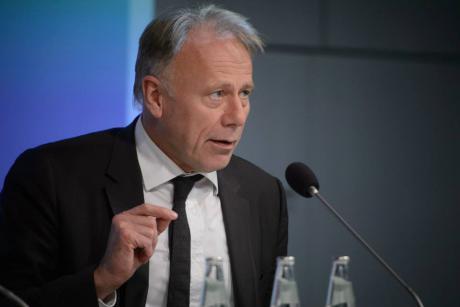 Former German environment minister Jürgen Trittin is warning the  EU against self-destructive behaviour with regard to 2030 climate and energy targets. [Stephan Röhl]