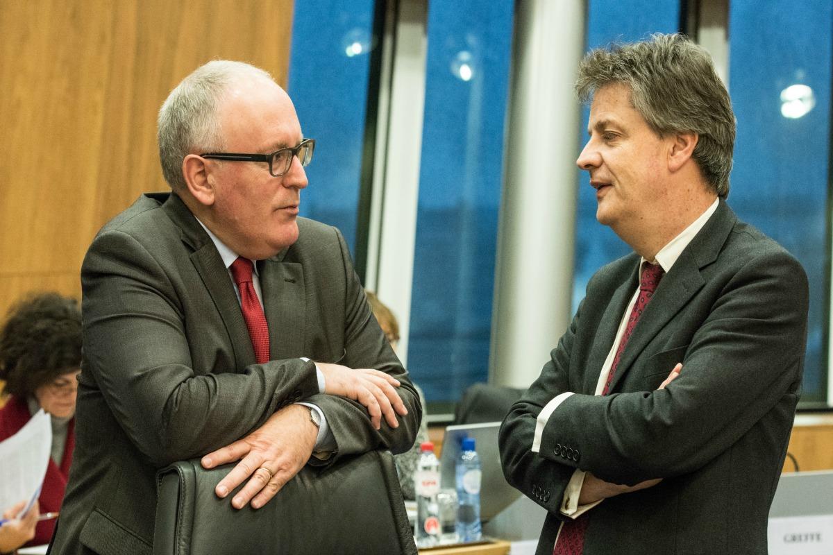 Jonathan Hill et Frans Timmerman lors de la réunion hebdomadaire du collège des commissaires - © Commission européenne