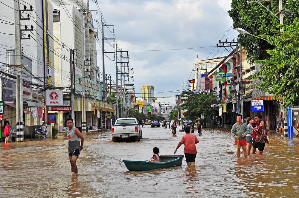 Inondations dans la ville de Chiang Mai en Thailande  - septembre 2011 -  © 501room / Shutterstock.com
