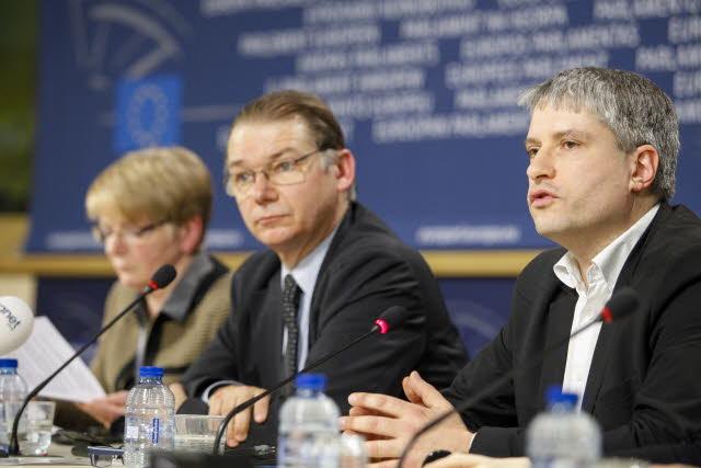 Conference de presse sur l'enquête du Parlement européen sur les LuxLeaks  ©European Parliament