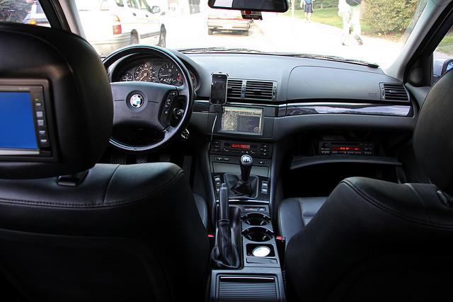 BMW E46: Running OS X Snow Leopard.