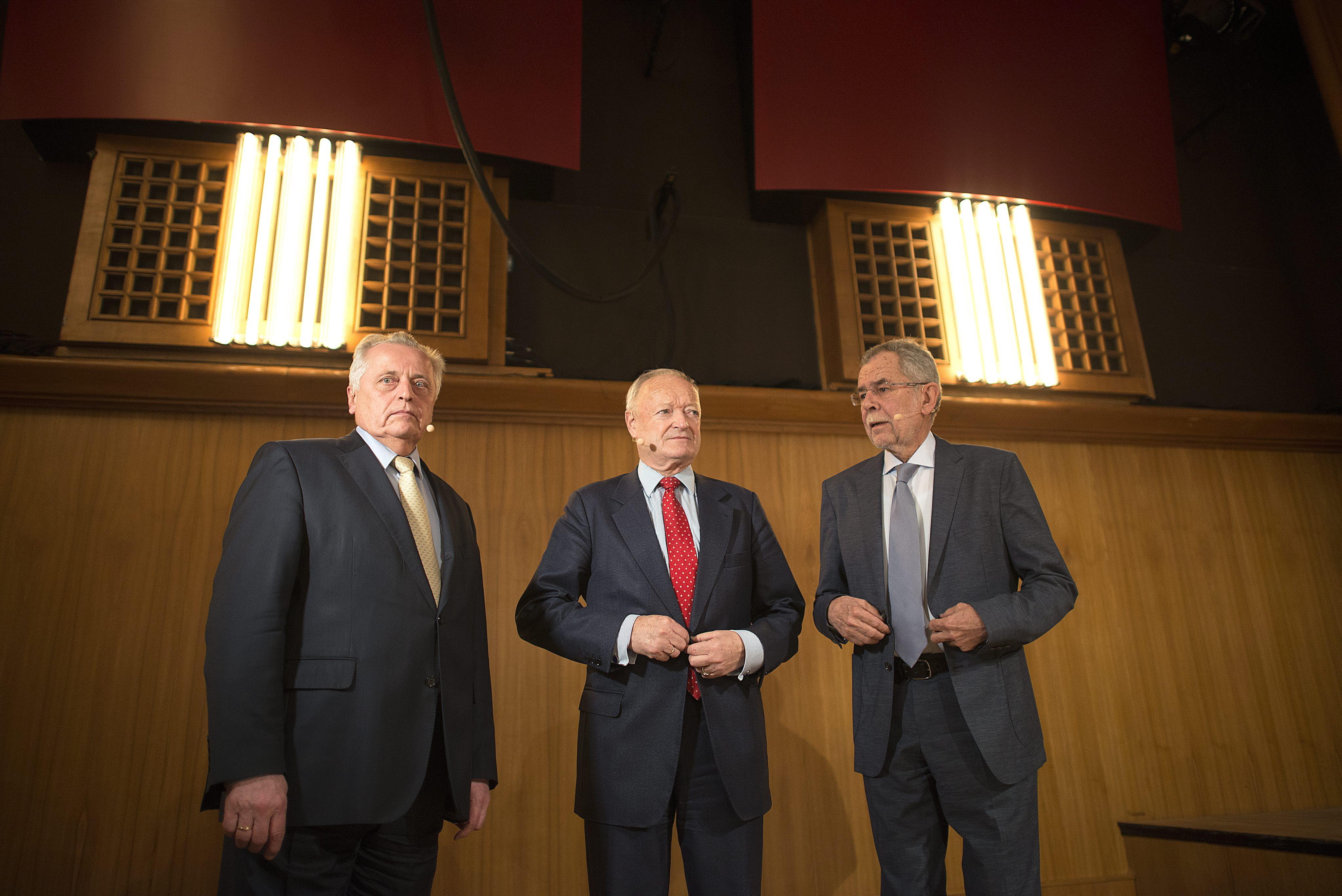 Alexander Van der Bellen (r.), Rudolf Hundstorfer (l) und Andreas Khol (Mitte) treten auch gegen die EU-Austritts-Partei an.