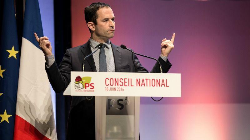 Benoît Hamon devance Manuel Valls au premier tour de la primaire