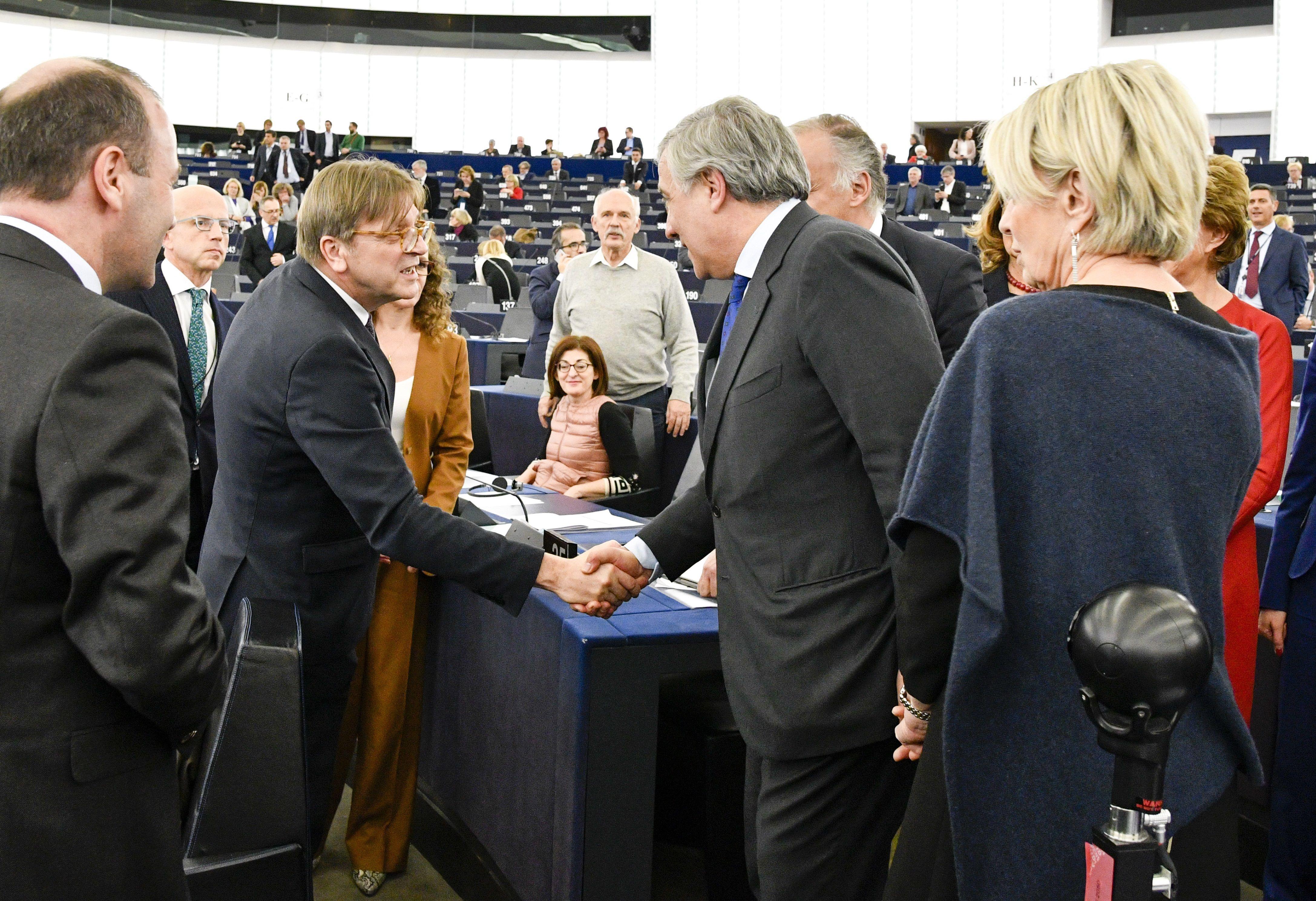 Royaume-Uni: le processus du Brexit est lancé