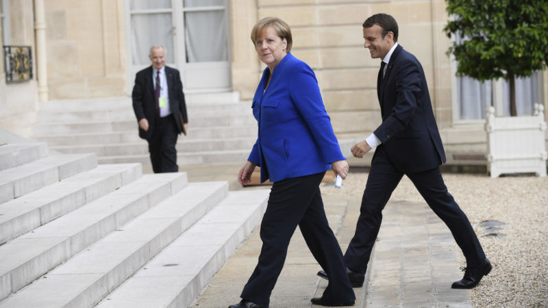 Merkel et Trump reçus à l'Elysée